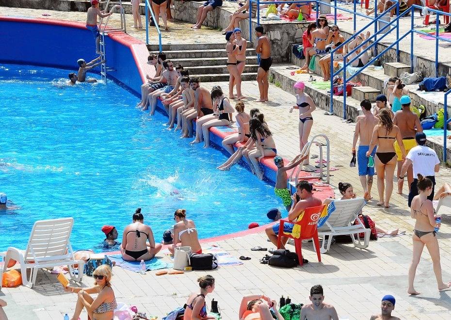 Milano primo giorno di apertura delle piscine boom di ingressi 1 di 1 milano - Piscina argelati milano ...