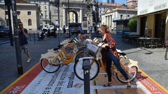 Mobilità sostenibile, Milano studia il bike sharing modello Shanghai: prelievo libero, la stazione non c'è