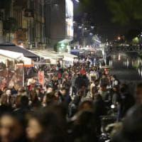 Milano, alcol ai minori nel bar sui Navigli: multato il titolare