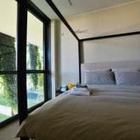 Milano, il Bosco verticale su Airbnb: 180 euro per una notte nel grattacielo più bello del mondo