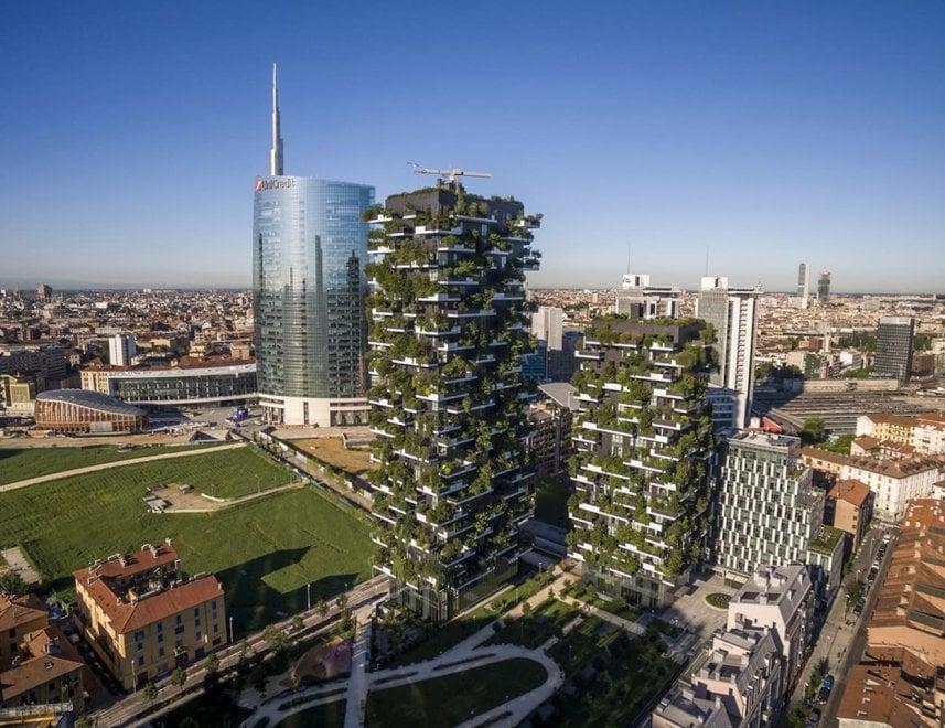 Milano Il Bosco Verticale Su Airbnb 180 Euro Per Una Notte