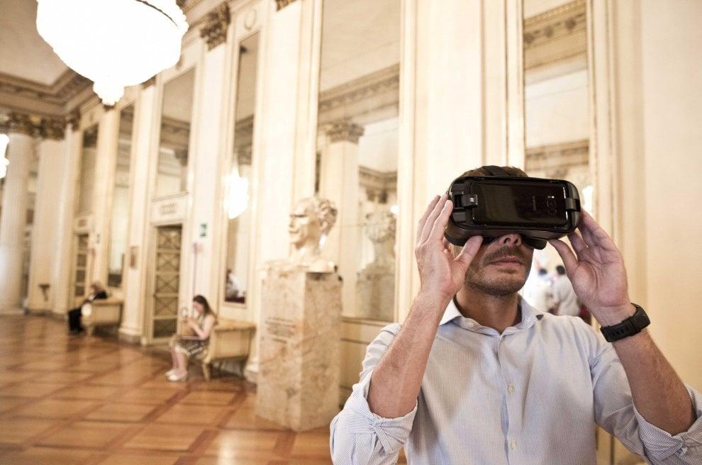 Totem multimediali e occhiali per la realtà virtuale: le novità hi-tech del museo della Scala