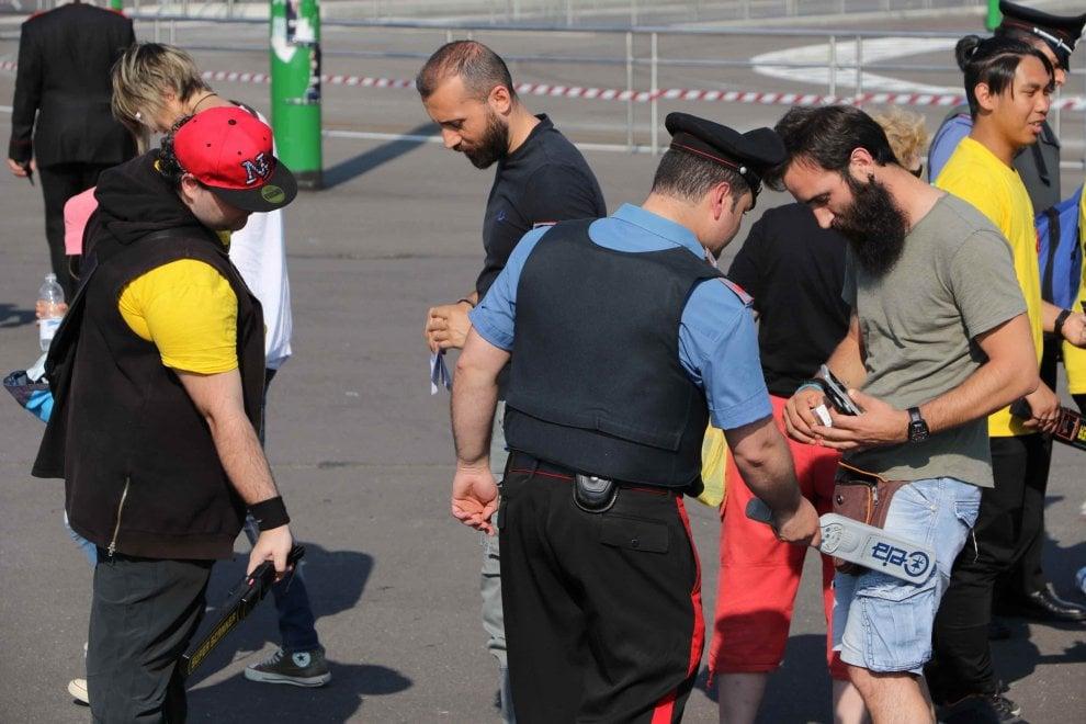 Grandi eventi, primo test sulla sicurezza con il concerto di Van der Sfroos a San Siro