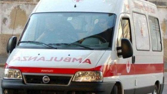 Pavia, in mountain bike per l'allenamento: investita e uccisa da un camion sulla statale