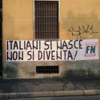 Milano, striscione di Forza Nuova contro lo ius soli: la denuncia dell'Anpi