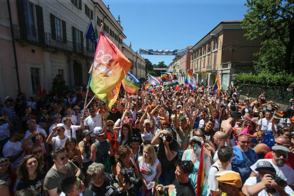 gay pride brescia data