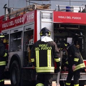 Milano, a Opera allarme amianto per l'incendio in un capannone
