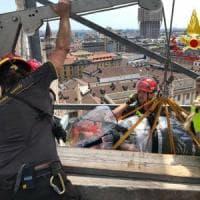 Milano, turista si frattura sulle terrazze del Duomo: calata fino agli ascensori