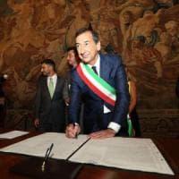 """Milano, Sala fa il bilancio del primo anno da sindaco: """"Niente pagelle"""". Ma in diretta..."""