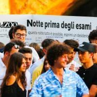 Milano, notte prima degli esami: la festa è in Darsena