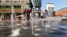 Piazza Gae Aulenti, piscina tra i grattacieli   Favorevoli o contrari?