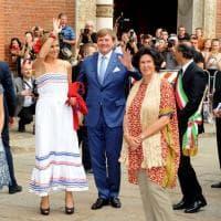 Milano, i reali d'Olanda in visita al Cenacolo: assalto di fotografi e curiosi
