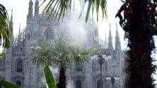Caldo africano in città: nebulizzatori anche per le palme in piazza Duomo