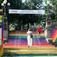 Milano si prepara per l'ondata colorata del Pride: 440 poliziotti e divieti