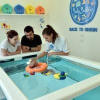 Milano, vasche separate per i bambini non vaccinati: la decisione della