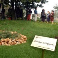 """Milano, il no della Chiesa a conservare le ceneri in casa: """"Soltanto nei"""