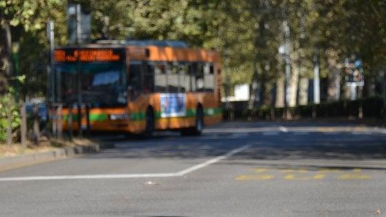 Como, autista ferma bus di linea per fare sesso con una passeggera: denunciato