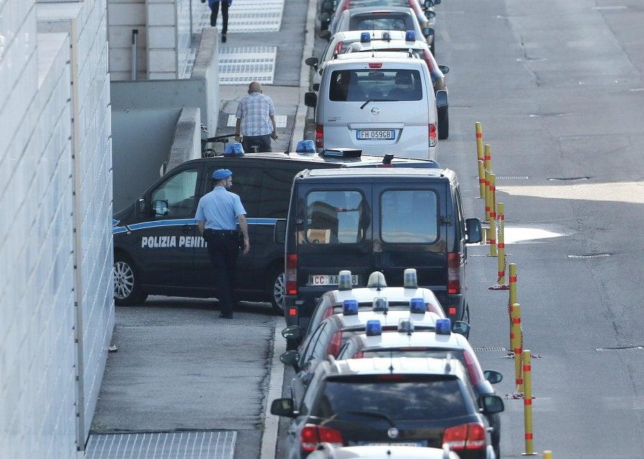 Tribunale blindato per il processo Bossetti: a Brescia al via all'appello per l'omicidio di Yara