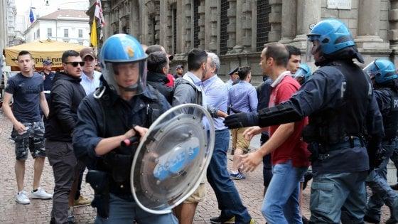 Milano, dopo il blitz di CasaPound in arrivo metal detector e tornelli a Palazzo Marino