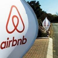 Airbnb apre le case ai rifugiati, a Milano primo esperimento in Italia: già 100 host hanno detto sì