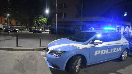 Milano, Piazza Tirana. Giovane ucciso in strada con due colpi di cacciavite