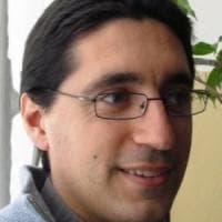Milano, scippatore in azione davanti alla chiesa: il parroco lo insegue e lo fa arrestare