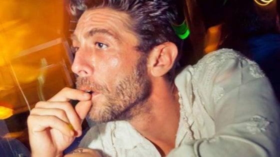 """Fabo, il gip boccia la procura: """"Cappato spinse il dj verso dolce morte, a processo per rafforzamento al suicidio"""""""