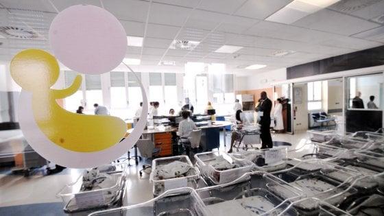 Tenta di sottrarre neonata in una clinica di Milano, fermata una donna