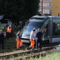 Milano, deraglia un tram della linea 15: l'intervento dei tecnici