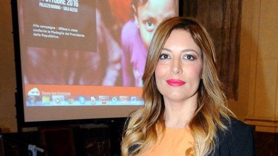 Milano, processo ai blogger per le foto rubate ai famosi: assolti Selvaggia Lucarelli, Neri e Soncini
