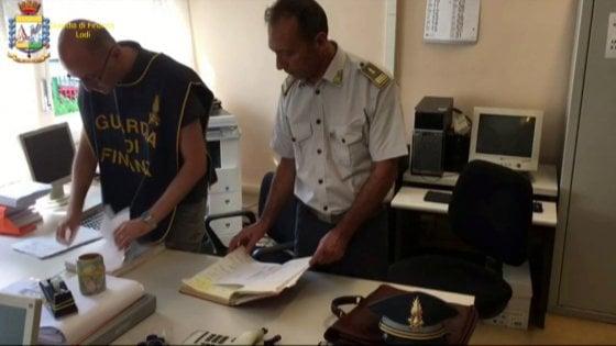 Lodi, arrestato il prof dei record: 1.500 giorni di assenza, faceva l'avvocato in Calabria