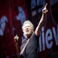 Milano, Roger Waters accusato