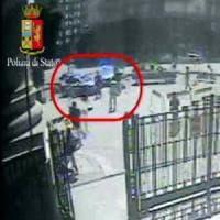 Aggressione in Centrale a Milano, il migrante che ha accoltellato il poliziotto espulso...