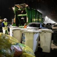 I milanesi promuovono l'Amsa, in città la raccolta rifiuti merita un 7,5