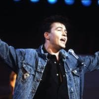 Paul Young in Panda brucia il rosso e provoca incidente in Brianza: visitato