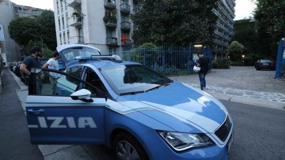 Milano, avvocatessa accoltellata nel suo studio: è caccia all'uomo