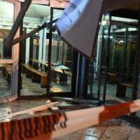 Tromba d'aria danneggia il gazebo di McDonald's, bimbo di 7 anni ferito