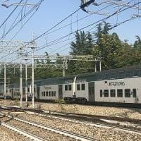 Treno con 250 persone fuori dai binari a Pioltello: colpa di uno scambio