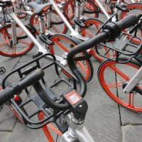 Bike sharing, a Milano arrivano 12mila nuove biciclette: con app e gps,