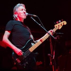 Roger Waters accusato di plagio, il giudice di Milano stoppa la vendita del disco