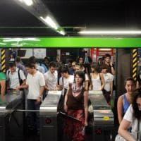 Milano, lotta all'evasione e più sicurezza su bus e metrò. Il biglietto? No, carta di...
