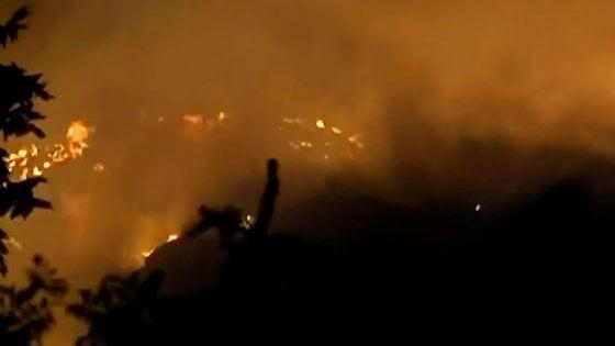 Aree ex Alfa, incendio in un deposito di rottami a Lainate