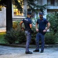 Milano, l'avvocata accoltellata all'aggressore: