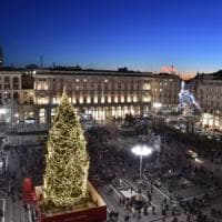 Natale a Milano, l'albero di piazza Duomo firmato Sky