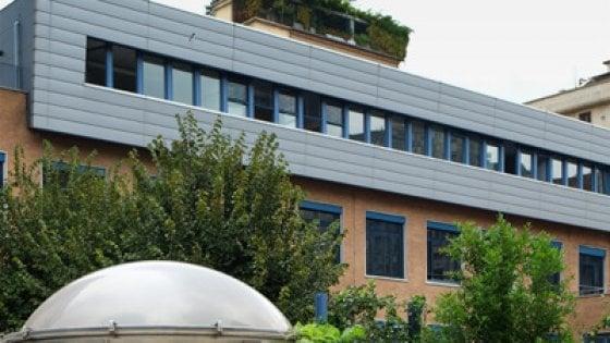 Milano, la Scuola Svizzera sommersa dalle critiche cancella la regola sugli alunni disabili