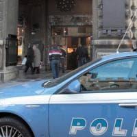 Milano, portato in questura per l'identificazione aggredisce due agenti: arrestato