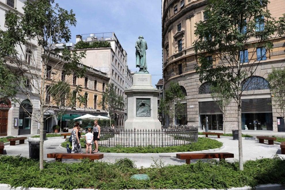 Rinasce piazza beccaria a milano luci a led quattromila for Piazza beccaria