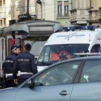 Milano, scontro tram-ambulanza con pazienti dializzati: nessun ferito grave