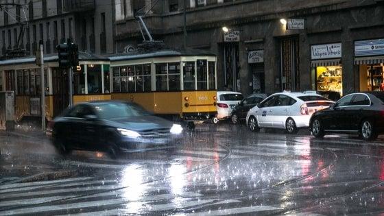Meteo Lombardia, rischio per forti temporali: in lieve calo le temperature