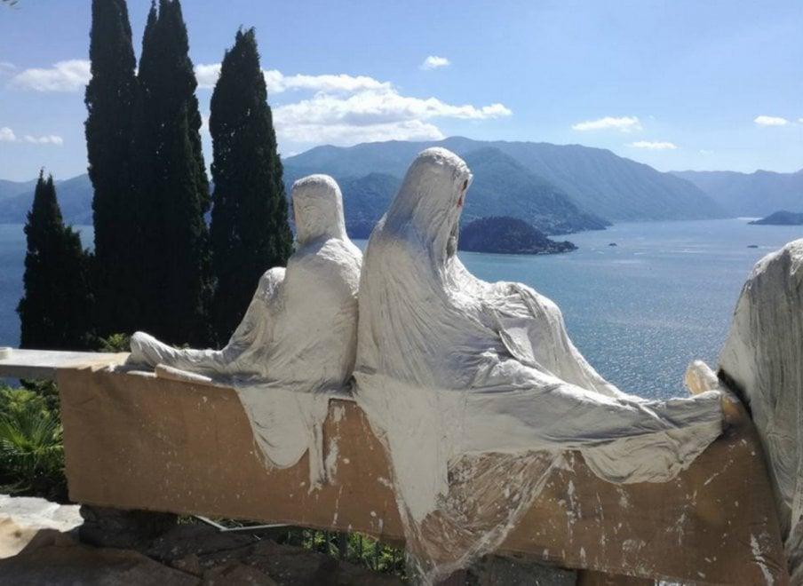 Lecco, il castello di Vezio si popola di fantasmi acchiappaturisti